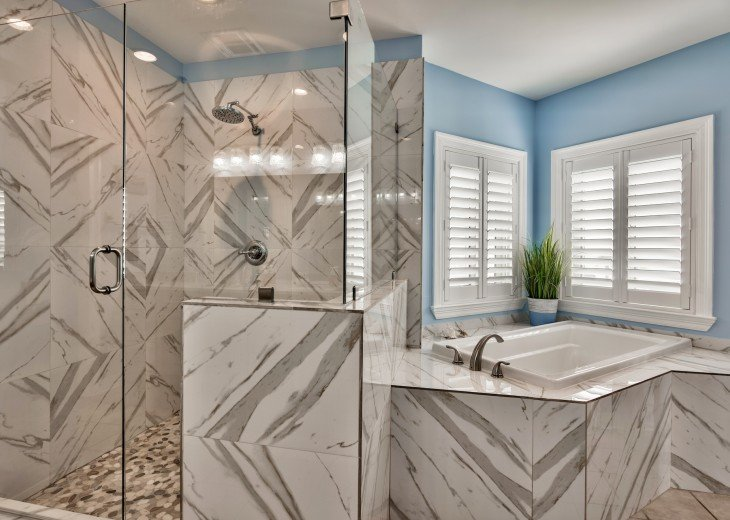 Master Bath - Attached