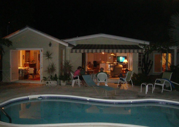 Single Family Home, 3 Bedroom, 2 Bath, Pool and Electric Car, Great Value! #16