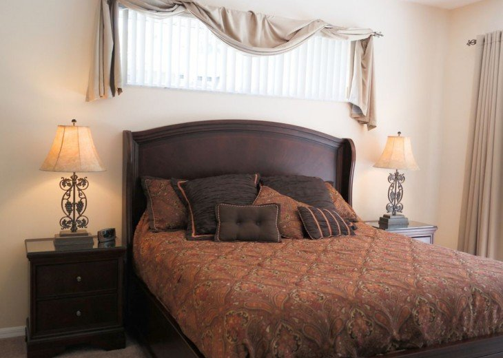 4 BR W/ Private Pool, Game Room & Wireless Internet #11