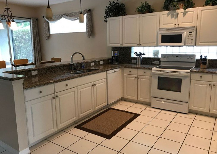 4 BR W/ Private Pool, Game Room & Wireless Internet #6