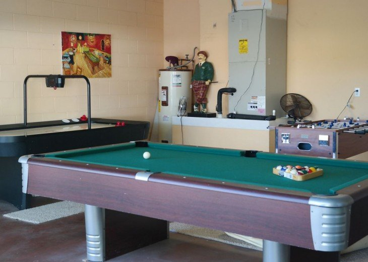 4 BR W/ Private Pool, Game Room & Wireless Internet #4