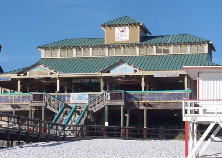 Crab Trap-Boardwalk restaurant within walking distance