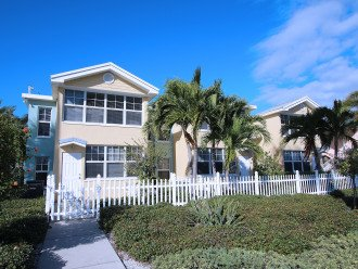 BAREFOOT BEACH RESORT* WATERFRONT * 1st FL Condo! FABULOUS 1BR 1 BA in Paradise! #1
