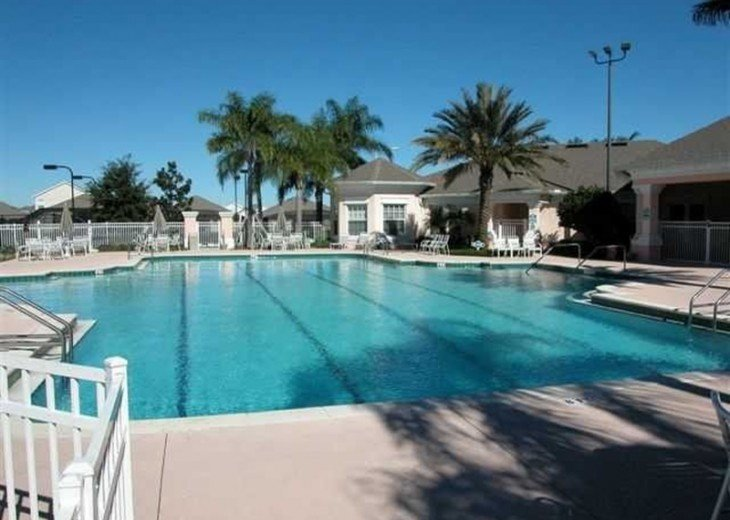 Private South Facing Pool w/ Jacuzzi & Kiddy pool - 4 bed, 3 bath #16