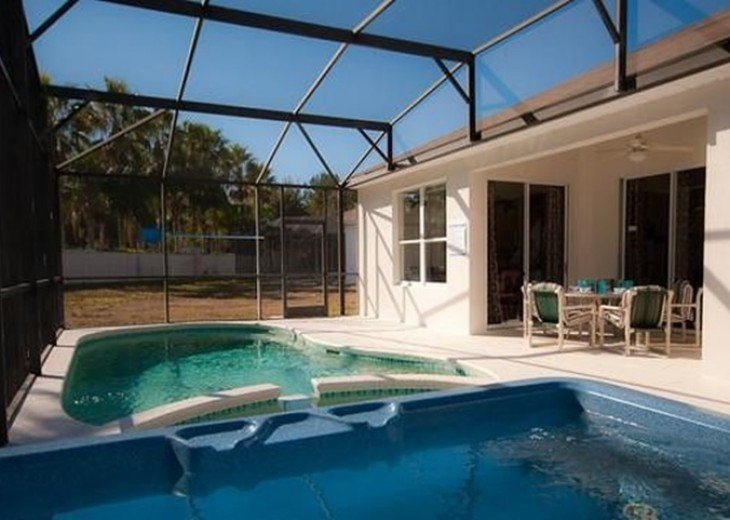 Private South Facing Pool w/ Jacuzzi & Kiddy pool - 4 bed, 3 bath #3