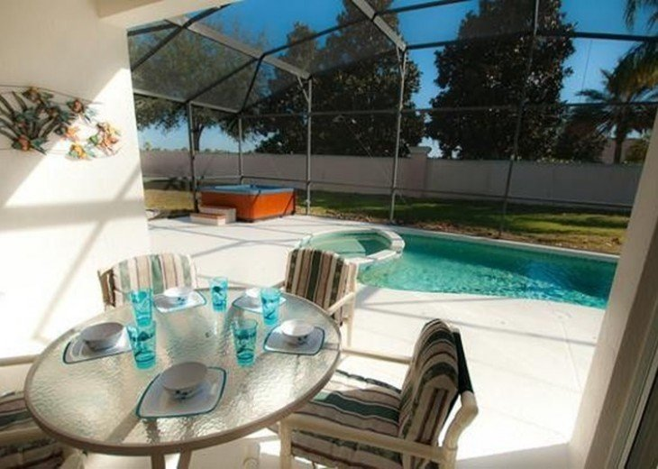 Private South Facing Pool w/ Jacuzzi & Kiddy pool - 4 bed, 3 bath #4