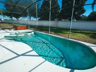Private South Facing Pool w/ Jacuzzi & Kiddy pool - 4 bed, 3 bath #1