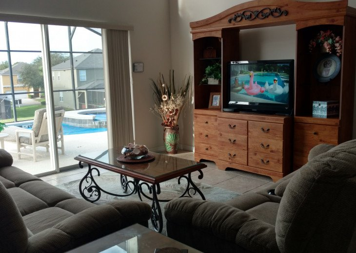 Resort living while visiting many of the entertainment parks near orlando #4