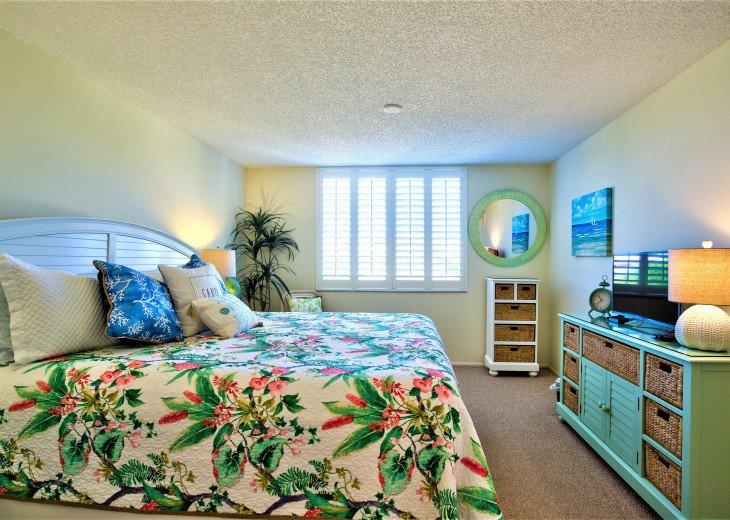 SIESTA KEY #1 voted Beach in America- property right on Siesta Key Beach #83