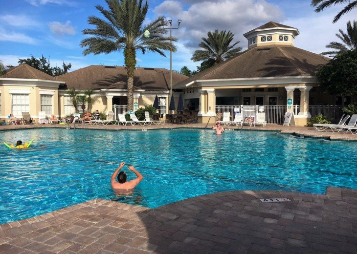 Community pool and TWiki Bar