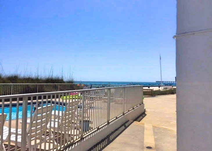 Pet Friendly Ground Level Walk Out to the Beach HotTub WIFI Pool BBQ #28