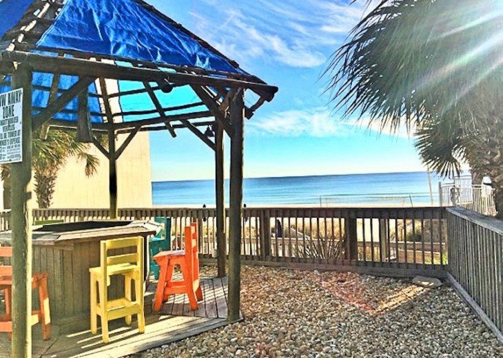 Pet Friendly Ground Level Walk Out to the Beach HotTub WIFI Pool BBQ #30