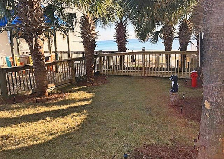 Pet Friendly Ground Level Walk Out to the Beach HotTub WIFI Pool BBQ #34