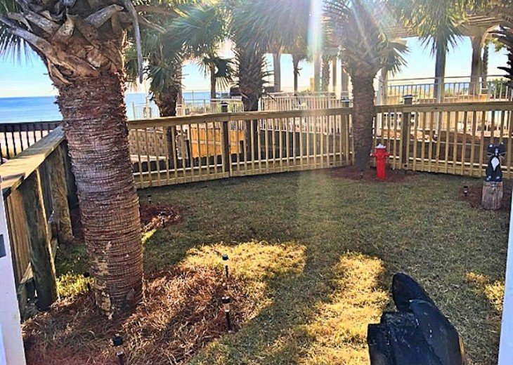 Pet Friendly Ground Level Walk Out to the Beach HotTub WIFI Pool BBQ #33