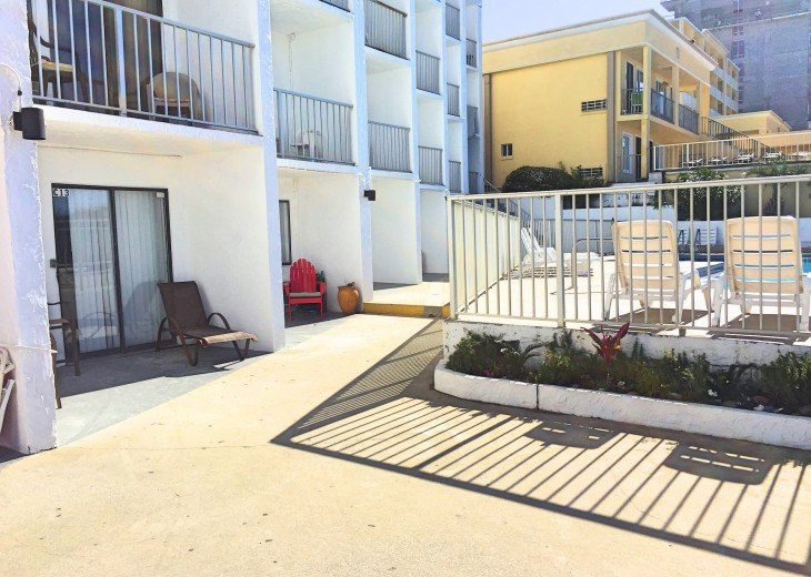 Pet Friendly Ground Level Walk Out to the Beach HotTub WIFI Pool BBQ #15