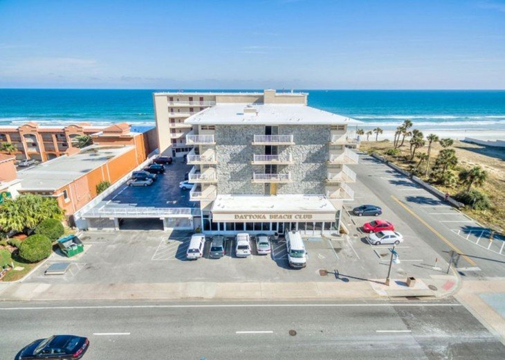 CONVENIENT AFFORDABLE DIRECT OCEANFRONT STUDIO STEPS TO BEACH, POOL, PARKING #13