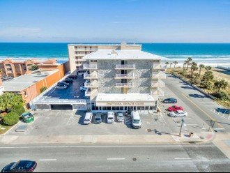 CONVENIENT AFFORDABLE DIRECT OCEANFRONT STUDIO STEPS TO BEACH, POOL, PARKING #1