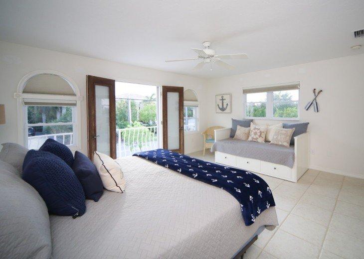 Superb 5 Bedroom House Rental In Siesta Key Fl Sarasota Siesta Download Free Architecture Designs Scobabritishbridgeorg