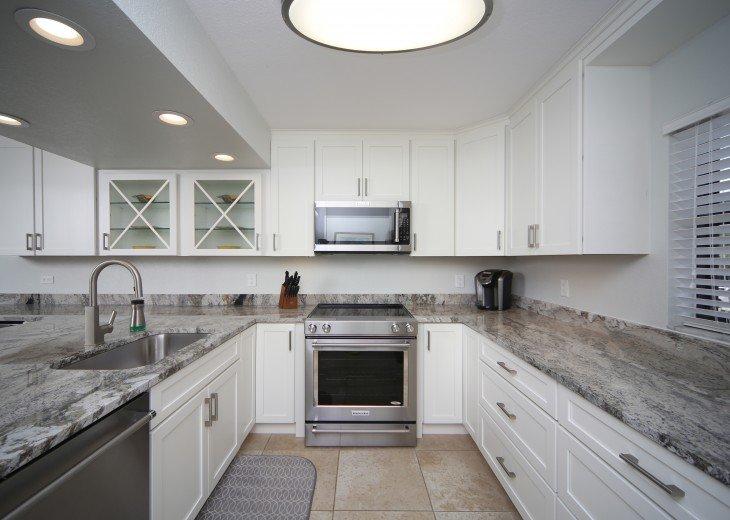 Siesta Key Beachfront 3 Bedroom Private Home W/Full Gulf Views! #9