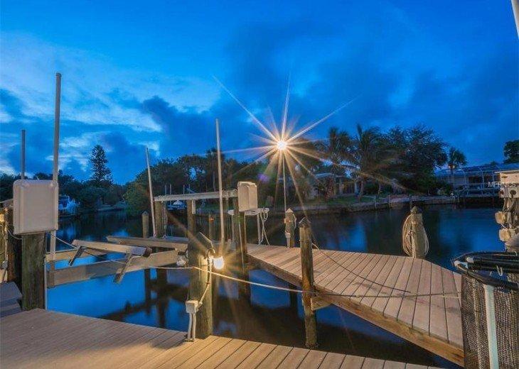 Luxury Siesta Key 4 bedroom Waterfront Home Only 5 minutes walk to Siesta Beach! #6