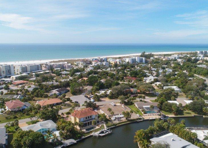 Luxury Siesta Key 4 bedroom Waterfront Home Only 5 minutes walk to Siesta Beach! #37