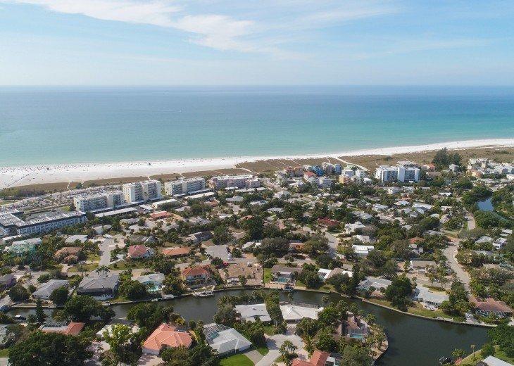 Luxury Siesta Key 4 bedroom Waterfront Home Only 5 minutes walk to Siesta Beach! #36