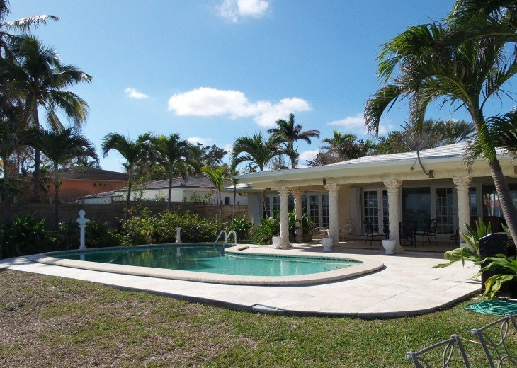 *Wow Waterfront Bayfront Eagle* Wide Bay-Pool #30