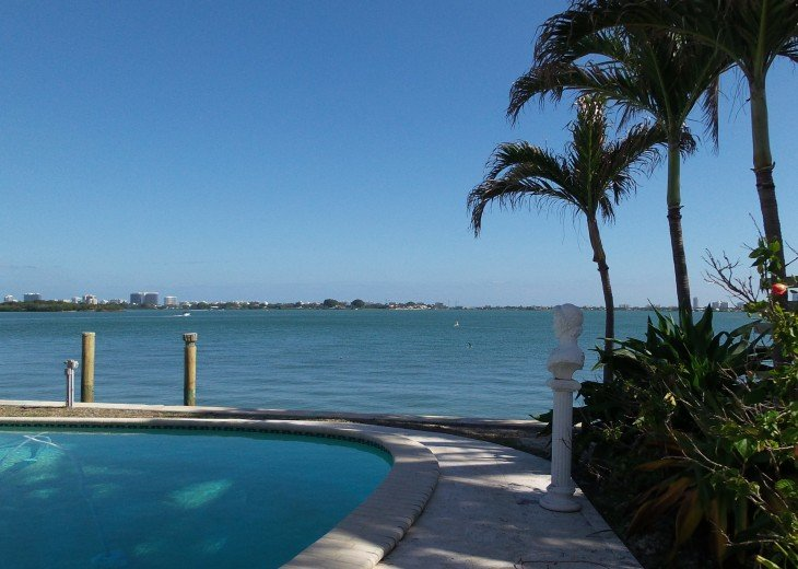 *Wow Waterfront Bayfront Eagle* Wide Bay-Pool #32