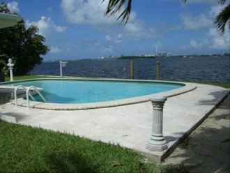 *Wow Waterfront Bayfront Eagle* Wide Bay-Pool #1