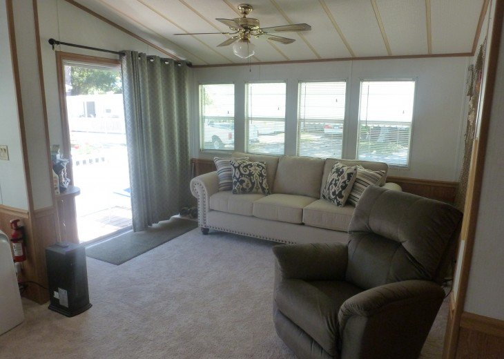 Manufactured Home in a nice 55+ Park, 5 miles from Gulf Coast #7