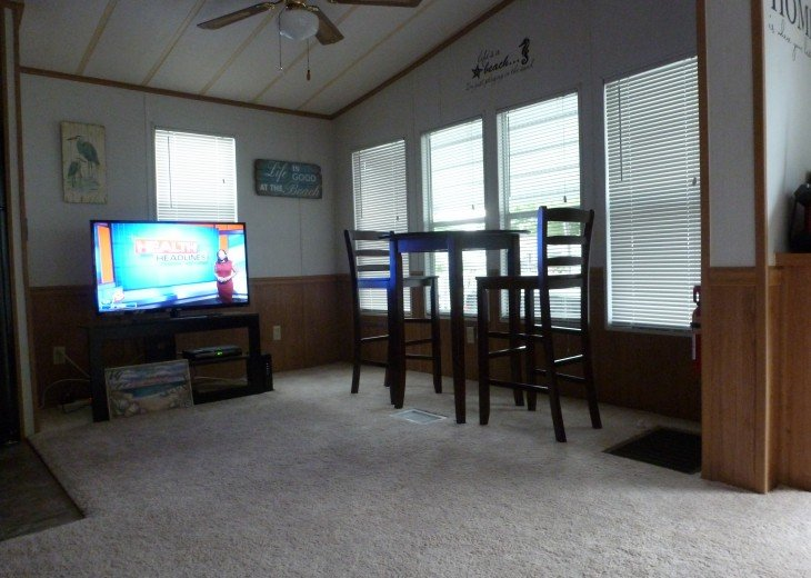 Manufactured Home in a nice 55+ Park, 5 miles from Gulf Coast #9