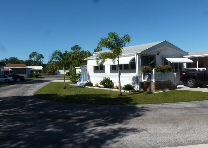 Manufactured Home in a nice 55+ Park, 5 miles from Gulf Coast #5