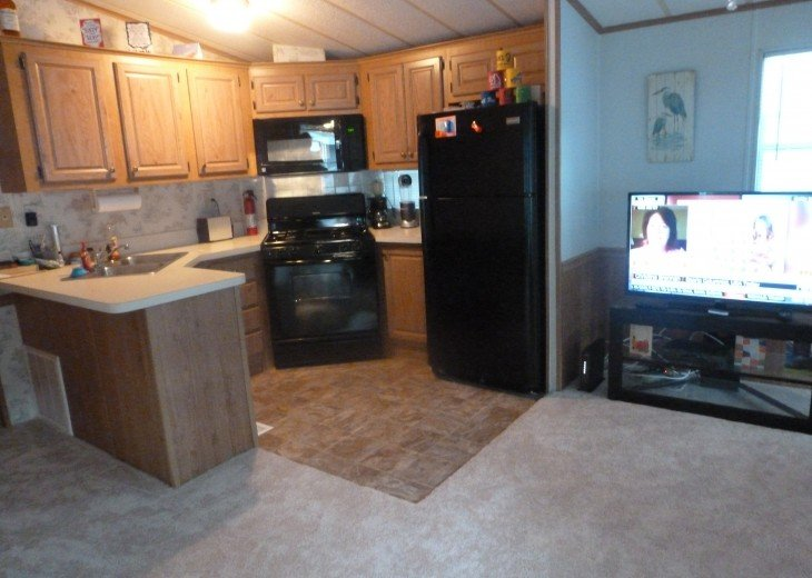 Manufactured Home in a nice 55+ Park, 5 miles from Gulf Coast #8