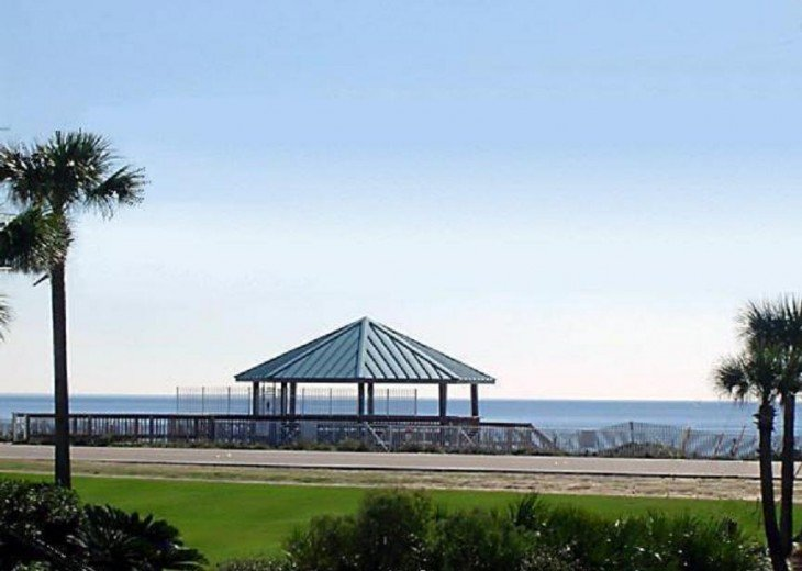 Beautiful Gulf Views/Beach Access