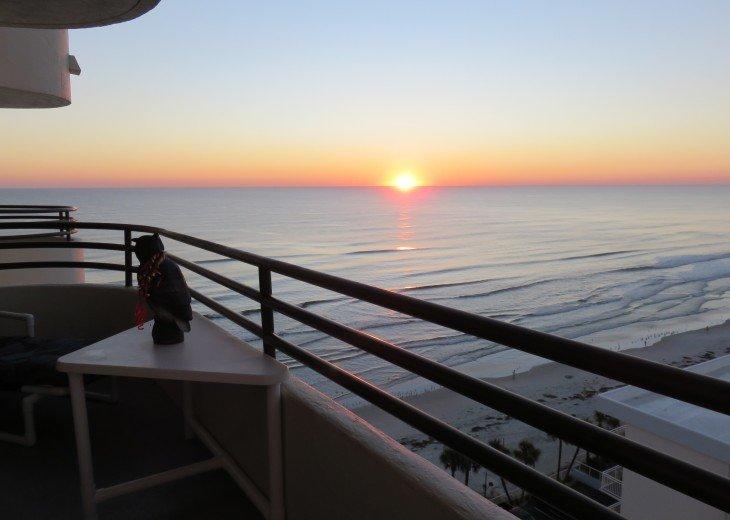 Daytona Sunrise!