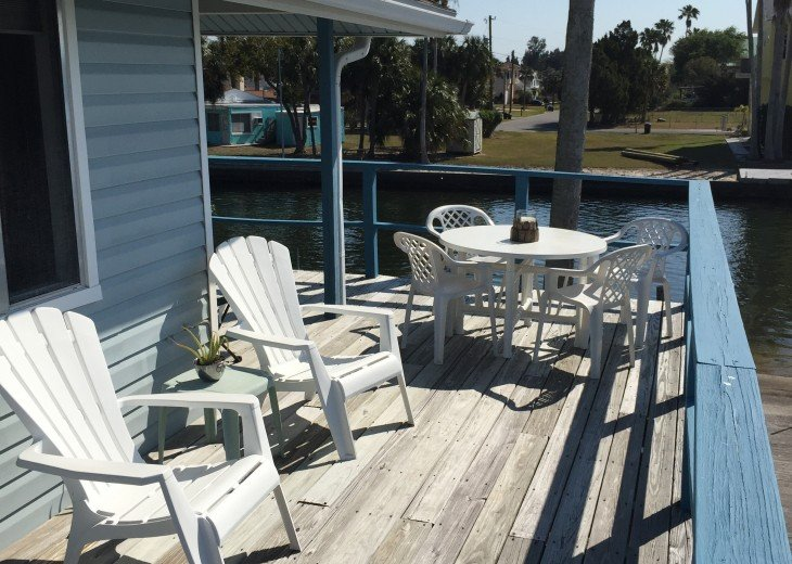 Gulf front home with wrap around deck #11