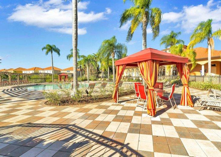 Aviana Resort 5 Br pool/spa 10 miles to Disney. Overlooks greenery & pond #41
