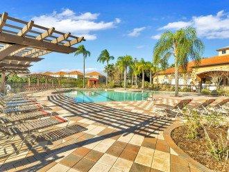 Aviana Resort 5 Br pool/spa 10 miles to Disney. Overlooks greenery & pond #1