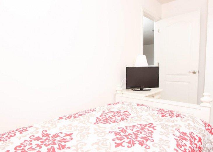 6 Bedroom 5.5 Bedroom Luxury Vacation Home In Solterra Resort #11