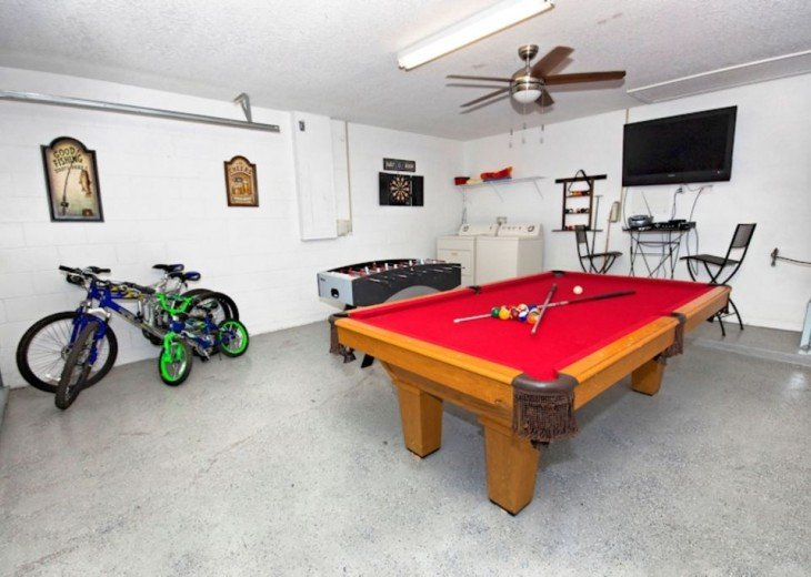 FREE pool/spa heat for January! Luxury! 4BR home Game room & Lake Front #22