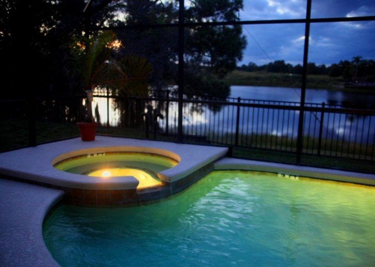 FREE pool/spa heat for January! Luxury! 4BR home Game room & Lake Front #27