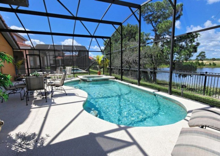 FREE pool/spa heat for January! Luxury! 4BR home Game room & Lake Front #23