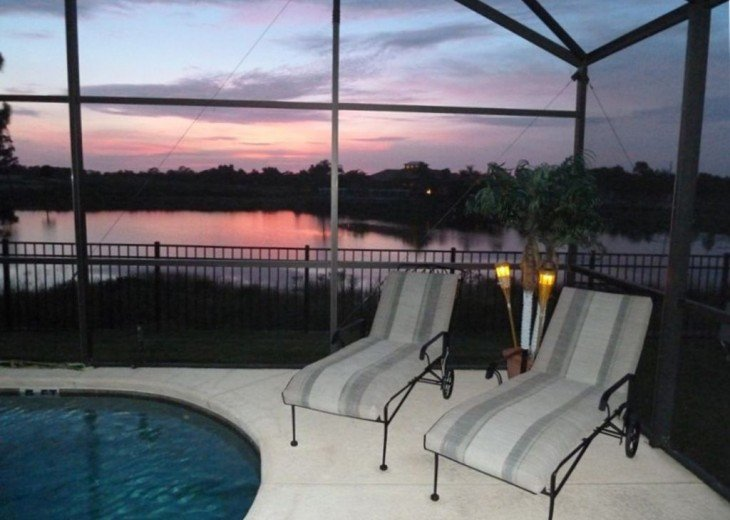 FREE pool/spa heat for January! Luxury! 4BR home Game room & Lake Front #29