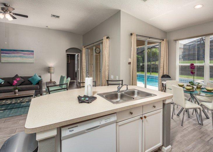 Discover newly refurbished 4 BR Windsor Palms Resort #4