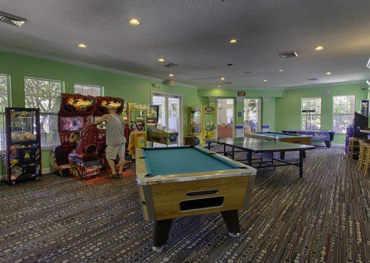 Discover newly refurbished 4 BR Windsor Palms Resort #42