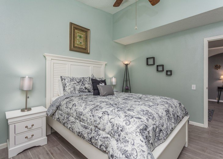 Discover newly refurbished 4 BR Windsor Palms Resort #20