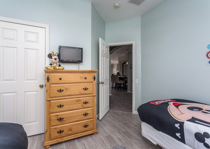 Discover newly refurbished 4 BR Windsor Palms Resort #19