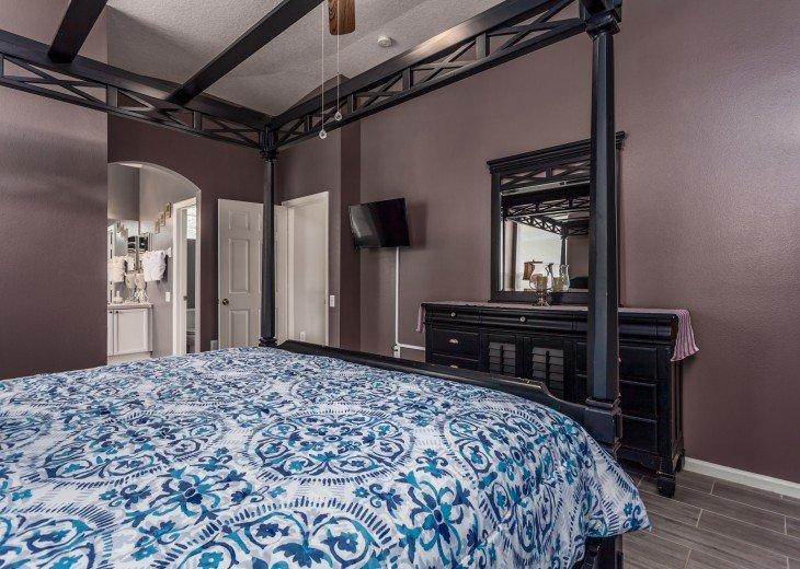 Discover newly refurbished 4 BR Windsor Palms Resort #14