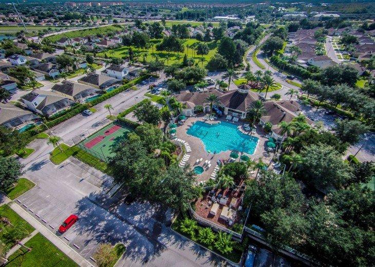 Discover newly refurbished 4 BR Windsor Palms Resort #29