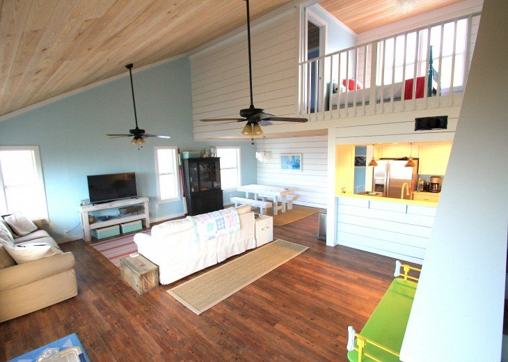 The Coconut Cottage is GULF FRONT with Private Tiki Hut! #14
